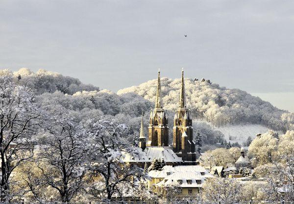Postkarte: Elisabethkirche im Schnee